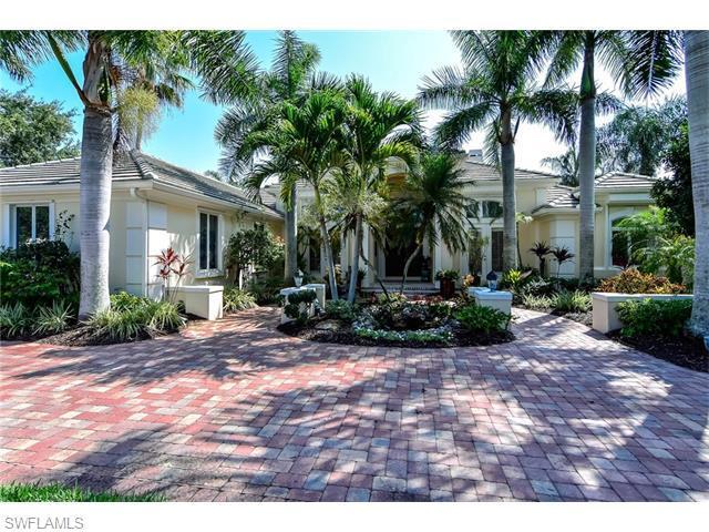 15270 Burnaby Dr, Naples, FL 34110 (MLS #216039942) :: The New Home Spot, Inc.