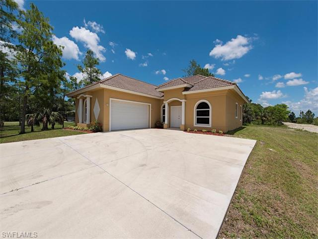 4230 8th St NE, Naples, FL 34120 (#216041248) :: Homes and Land Brokers, Inc