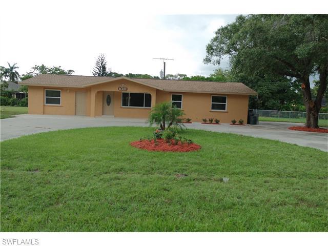 10111 Georgia St, Bonita Springs, FL 34135 (MLS #216041634) :: The New Home Spot, Inc.
