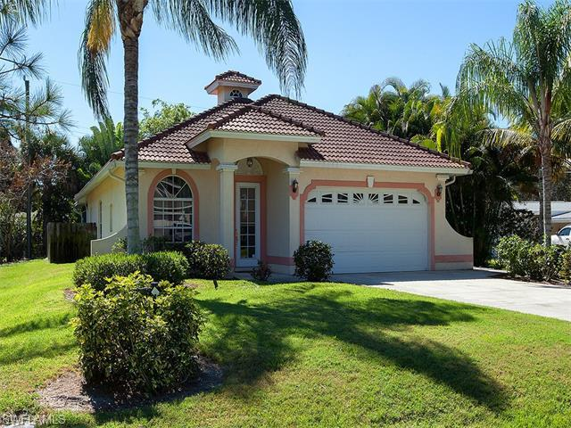1024 Michigan Ave, Naples, FL 34103 (MLS #216042438) :: The New Home Spot, Inc.