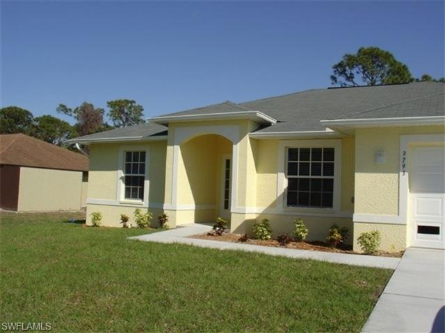 9793 Delaware St, Bonita Springs, FL 34135 (MLS #216044431) :: The New Home Spot, Inc.