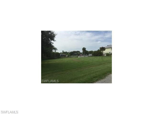 326 Shore Dr, Fort Myers, FL 33905 (#216045009) :: Homes and Land Brokers, Inc
