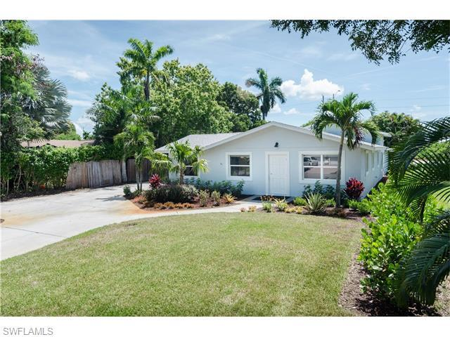 2240 14th St N, Naples, FL 34103 (MLS #216045061) :: The New Home Spot, Inc.