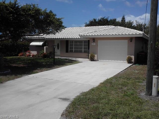 2777 Gulfview Dr, Naples, FL 34112 (#216045233) :: Homes and Land Brokers, Inc