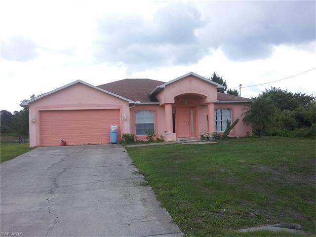 541 Hawthorne Ave S, Lehigh Acres, FL 33974 (MLS #216045341) :: The New Home Spot, Inc.