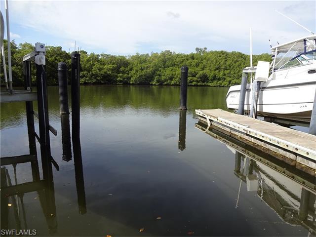 13115 Vanderbilt Dr #21, Naples, FL 34110 (MLS #216046095) :: The New Home Spot, Inc.