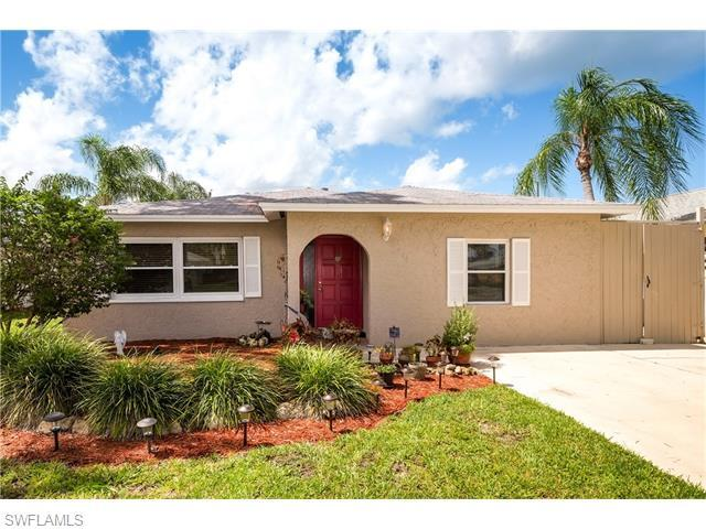 614 97th Ave N, Naples, FL 34108 (#216046323) :: Homes and Land Brokers, Inc