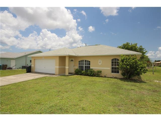 2522 Gleason Pky, Cape Coral, FL 33914 (#216046996) :: Homes and Land Brokers, Inc