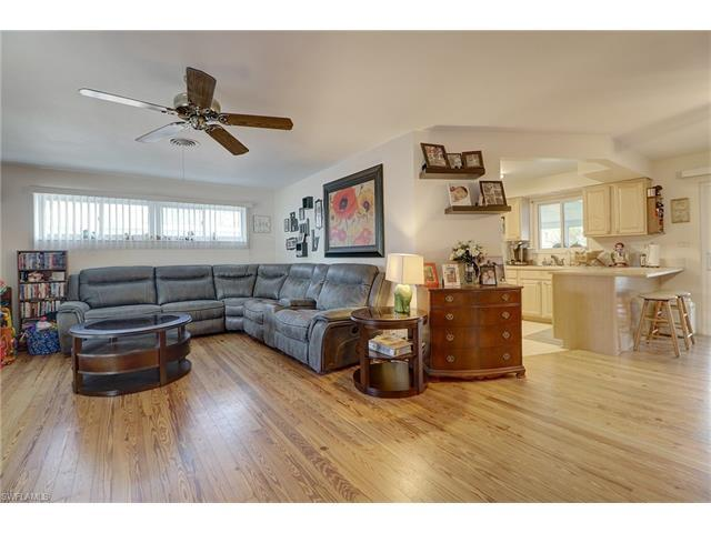 1218 Wisconsin Dr, Naples, FL 34103 (MLS #216047005) :: The New Home Spot, Inc.