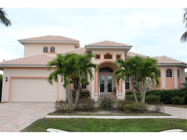 244 Tahiti Rd, Marco Island, FL 34145 (MLS #216047486) :: The New Home Spot, Inc.