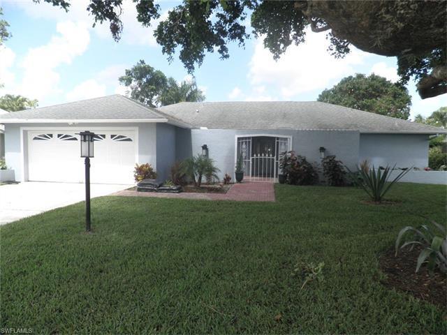 4372 Beechwood Lake Dr, Naples, FL 34112 (#216048277) :: Homes and Land Brokers, Inc