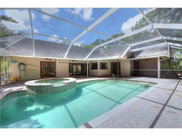 5961 Sea Grass Ln, Naples, FL 34116 (#216048673) :: Homes and Land Brokers, Inc