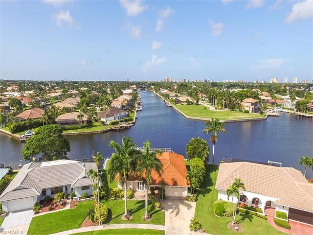 1742 Hummingbird Ct, Marco Island, FL 34145 (#216049363) :: Homes and Land Brokers, Inc