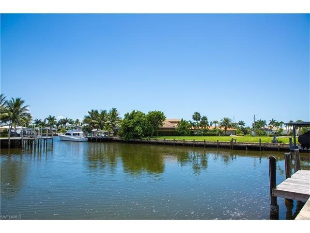 1241 Laurel Ct, Marco Island, FL 34145 (#216049608) :: Homes and Land Brokers, Inc