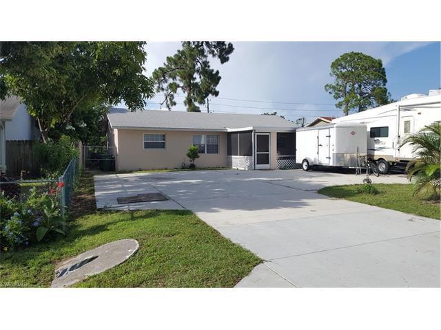 5311 Dixie Dr, Naples, FL 34113 (MLS #216049940) :: The New Home Spot, Inc.