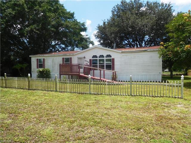 3032 Curry Rd, Immokalee, FL 34142 (MLS #216051307) :: The New Home Spot, Inc.