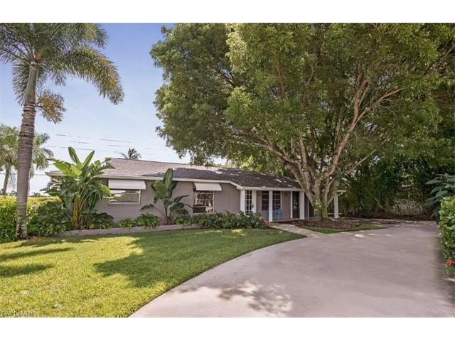 1175 Sandpiper St, Naples, FL 34102 (#216051321) :: Homes and Land Brokers, Inc