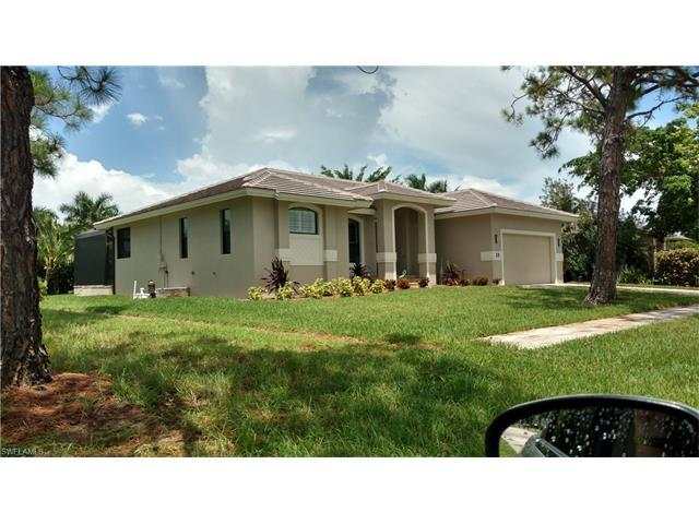 25 Tahiti Rd, Marco Island, FL 34145 (#216052024) :: Homes and Land Brokers, Inc
