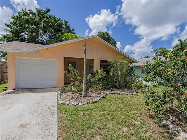 804 110th Ave N, Naples, FL 34108 (#216052036) :: Homes and Land Brokers, Inc