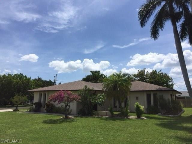 1326 SE 23rd Ave, Cape Coral, FL 33990 (MLS #216052274) :: The New Home Spot, Inc.
