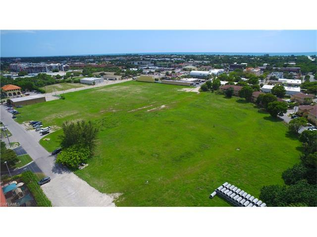 1075 Central Ave, Naples, FL 34102 (#216052671) :: Homes and Land Brokers, Inc