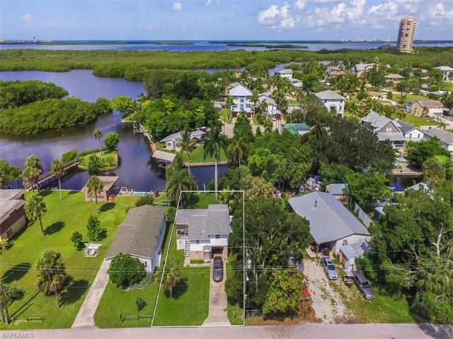 24585 Dolphin St, Bonita Springs, FL 34134 (MLS #216052901) :: The New Home Spot, Inc.