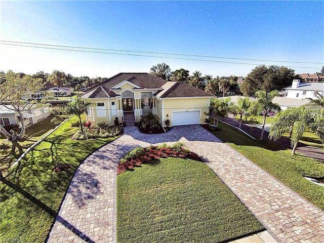 4821 Tarpon Ave, Bonita Springs, FL 34134 (MLS #216053364) :: The New Home Spot, Inc.