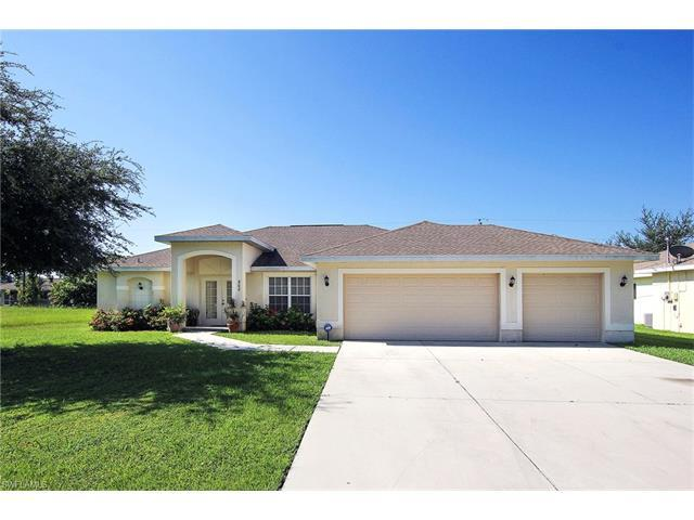 202 SE 23rd Ter, Cape Coral, FL 33990 (MLS #216053697) :: The New Home Spot, Inc.