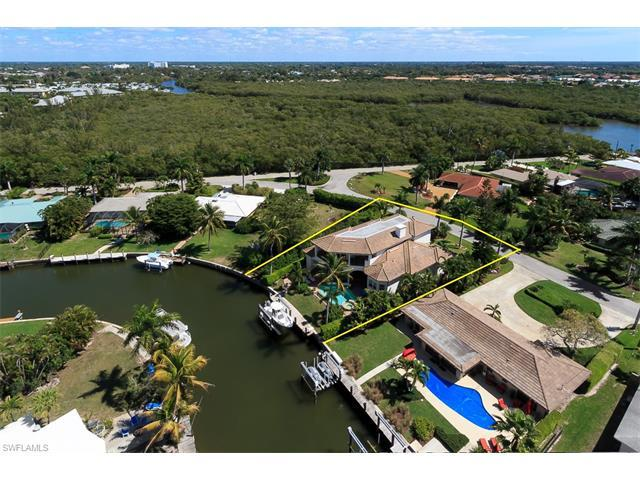 2080 Sheepshead Dr, Naples, FL 34102 (#216054381) :: Homes and Land Brokers, Inc