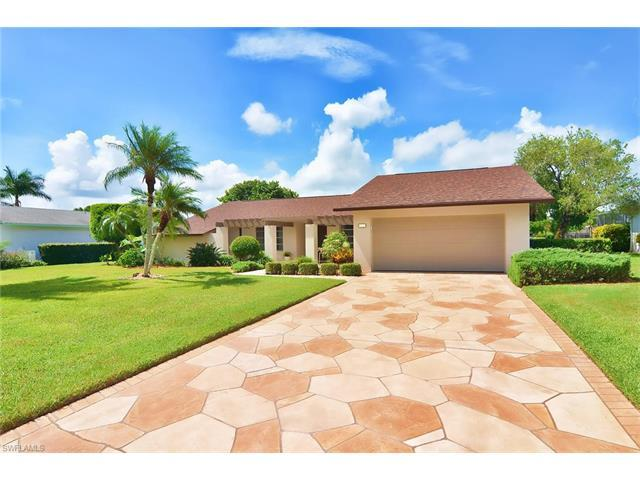 236 Bay Meadows Dr, Naples, FL 34113 (MLS #216054811) :: The New Home Spot, Inc.