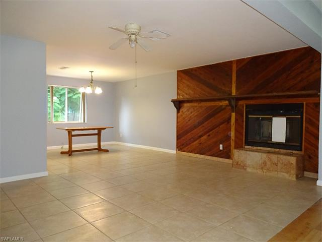 3575 Thomasson Dr, Naples, FL 34112 (#216055512) :: Homes and Land Brokers, Inc