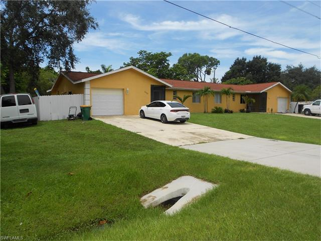 2080 Pelton Ave, Naples, FL 34112 (#216055826) :: Homes and Land Brokers, Inc