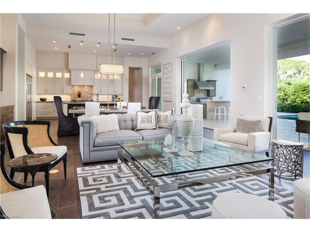 569 Neapolitan Way, Naples, FL 34103 (#216056078) :: Homes and Land Brokers, Inc