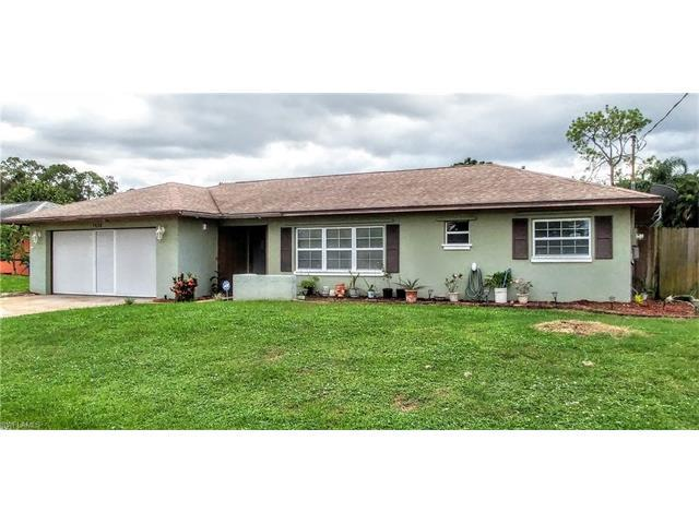 7658 Laurel Valley Rd, Fort Myers, FL 33967 (MLS #216056143) :: The New Home Spot, Inc.