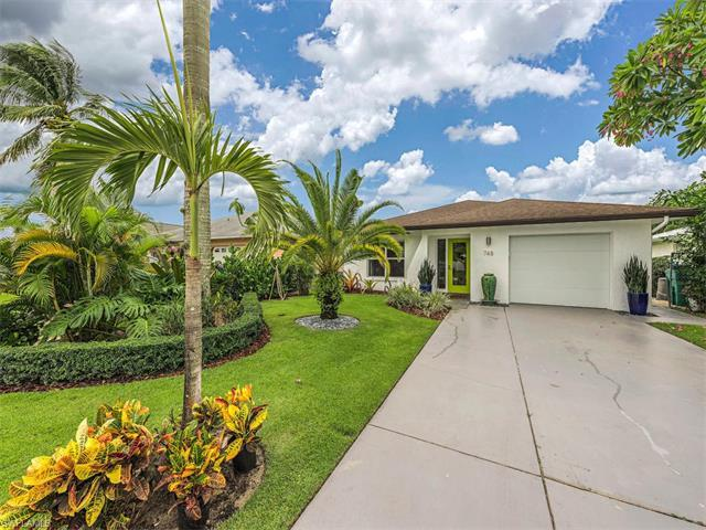 748 100th Ave N, Naples, FL 34108 (MLS #216056219) :: The New Home Spot, Inc.