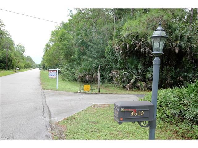 3610 29th Ave SW, Naples, FL 34117 (MLS #216056356) :: The New Home Spot, Inc.