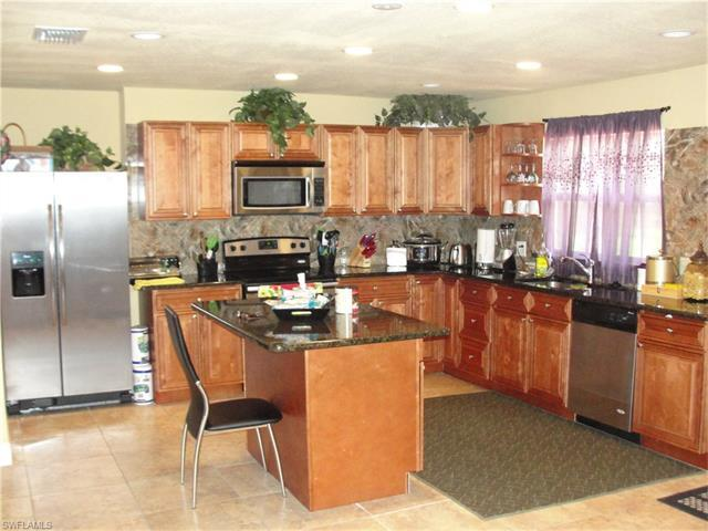 3703 Michigan Ave, Fort Myers, FL 33916 (#216057714) :: Homes and Land Brokers, Inc
