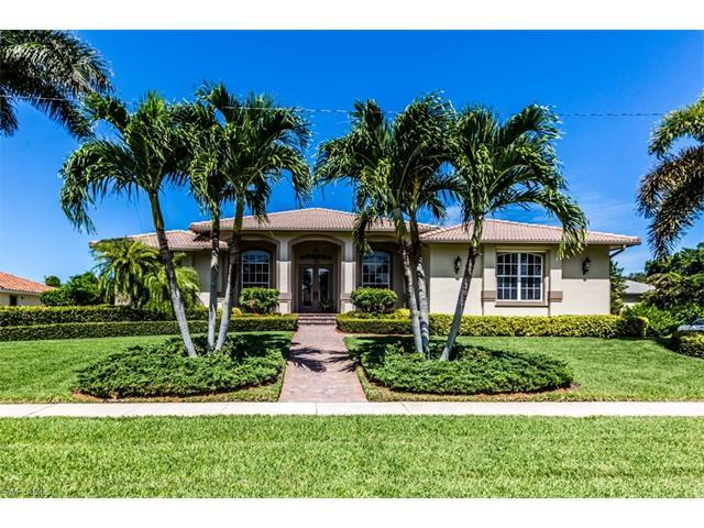 798 Kendall Dr, Marco Island, FL 34145 (MLS #216058188) :: The New Home Spot, Inc.