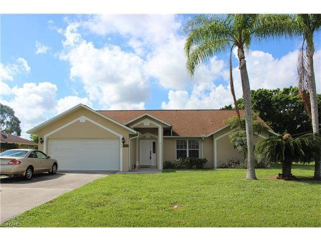 92 Wickliffe Dr, Naples, FL 34110 (MLS #216058619) :: The New Home Spot, Inc.