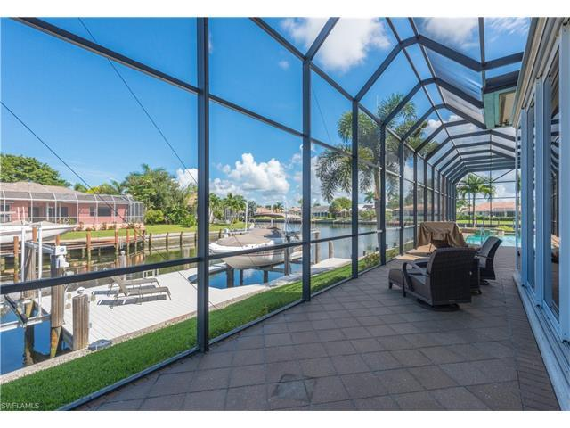 940 Moon Ct, Marco Island, FL 34145 (MLS #216059023) :: The New Home Spot, Inc.