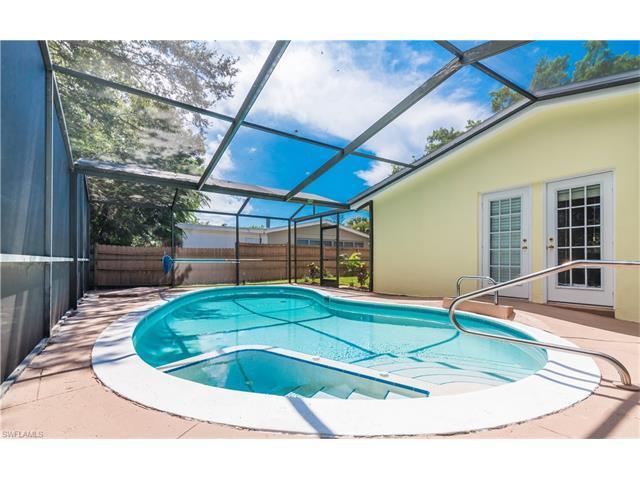 1376 10th St N, Naples, FL 34102 (MLS #216060273) :: The New Home Spot, Inc.
