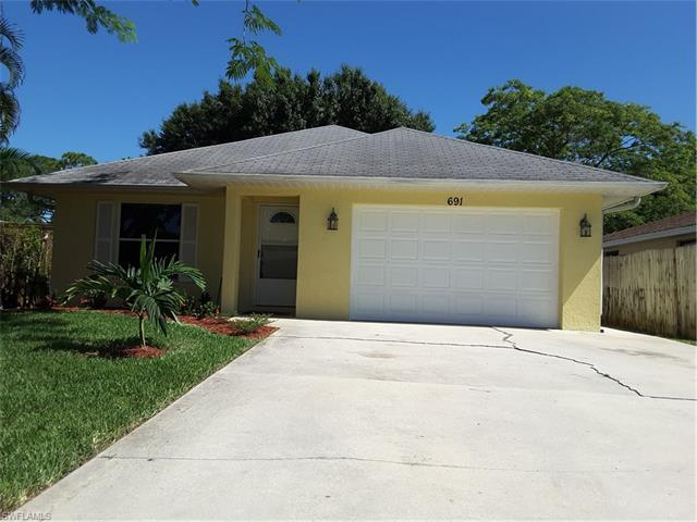 691 102nd Ave N, Naples, FL 34108 (#216060410) :: Homes and Land Brokers, Inc