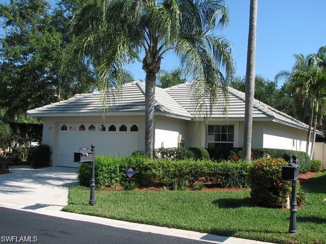 118 Fountain Cir, Naples, FL 34119 (MLS #216061212) :: The New Home Spot, Inc.
