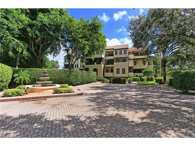 5850 Pelican Bay Blvd B3, Naples, FL 34108 (MLS #216061610) :: The New Home Spot, Inc.