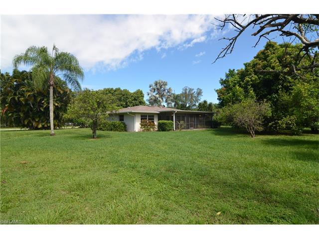 10664 Winterview Dr, Naples, FL 34109 (#216062142) :: Homes and Land Brokers, Inc