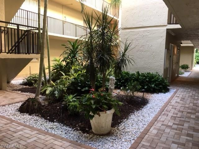 788 Park Shore Dr H18, Naples, FL 34103 (#216062395) :: Homes and Land Brokers, Inc