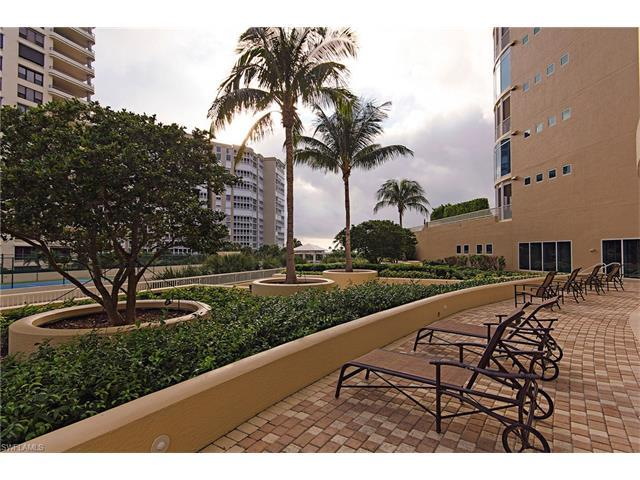4501 Gulf Shore Blvd N #301, Naples, FL 34103 (MLS #216063117) :: The New Home Spot, Inc.