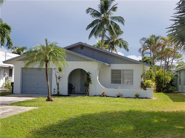 588 93rd Ave N, Naples, FL 34108 (#216063230) :: Homes and Land Brokers, Inc