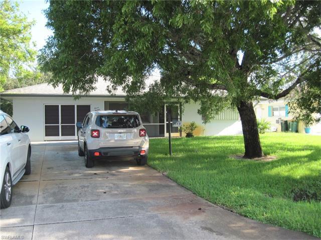 1113 Hilltop Dr, Naples, FL 34103 (#216063247) :: Homes and Land Brokers, Inc