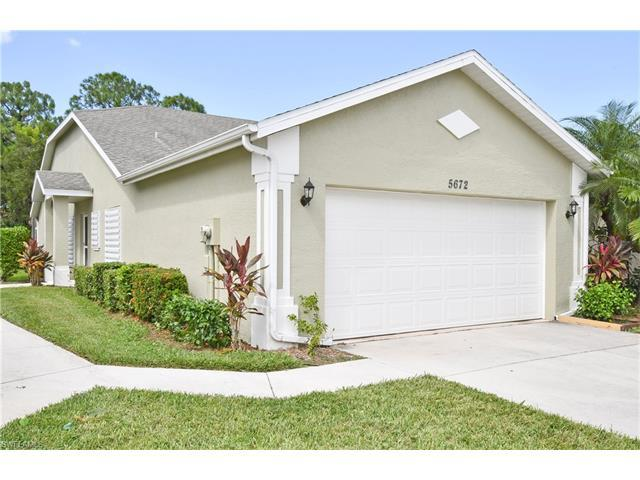 5672 Greenwood Cir, Naples, FL 34112 (MLS #216063309) :: The New Home Spot, Inc.